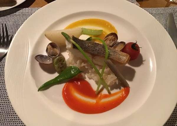 京都のフレンチ料理店ア・プ・プレの魚料理