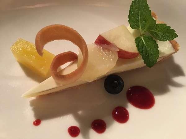 京都のフレンチ料理店ア・プ・プレのチーズケーキ
