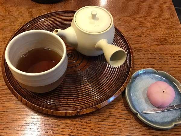 京都の一保堂 喫茶室 嘉木のお茶セット