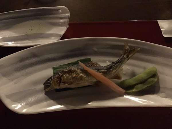 京都の富美屋のコース料理の鮎