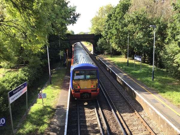 イギリス旅行の電車