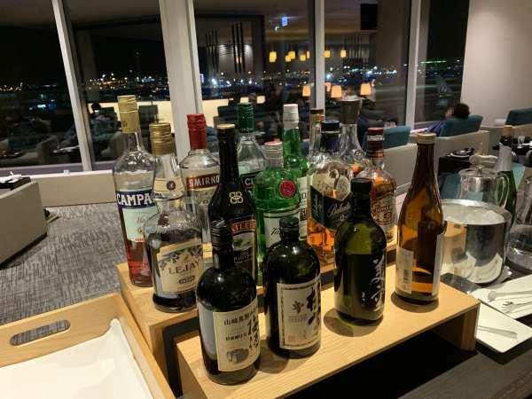羽田空港ラウンジの飲み物