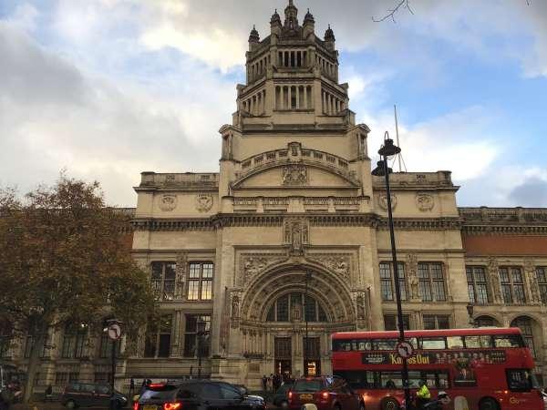 ロンドンの博物館外観
