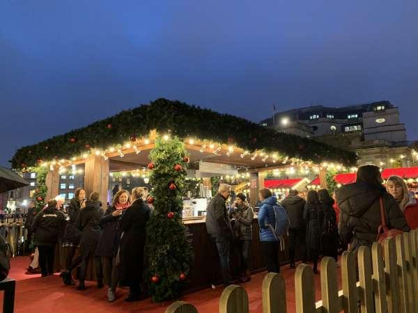 トラファルガースクエアのクリスマスマーケット