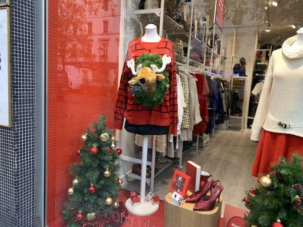 クリスマスの時期のお店