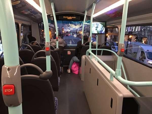 ロンドンのバスの2階