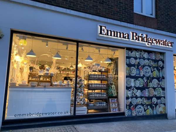 Emma Bridgewaterの外観