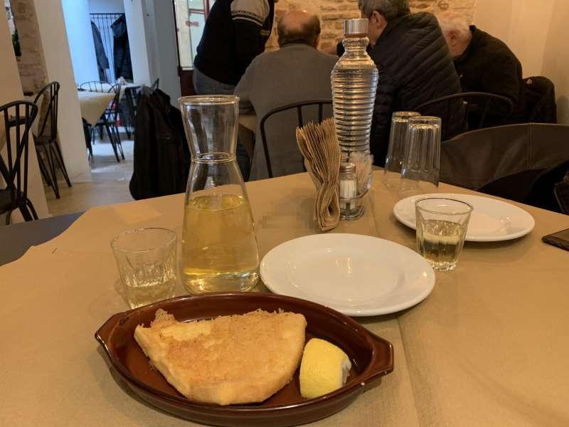 フェタチーズを使ったサガナキ