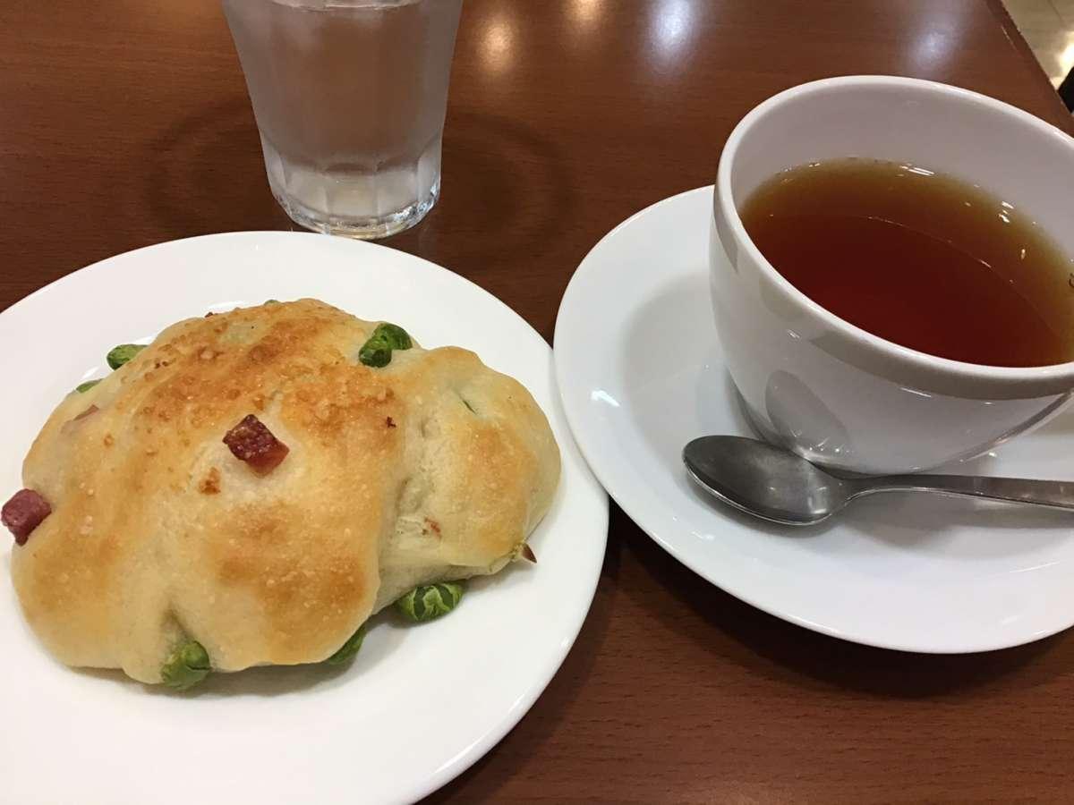 けやき庵の枝豆リュスティックと紅茶