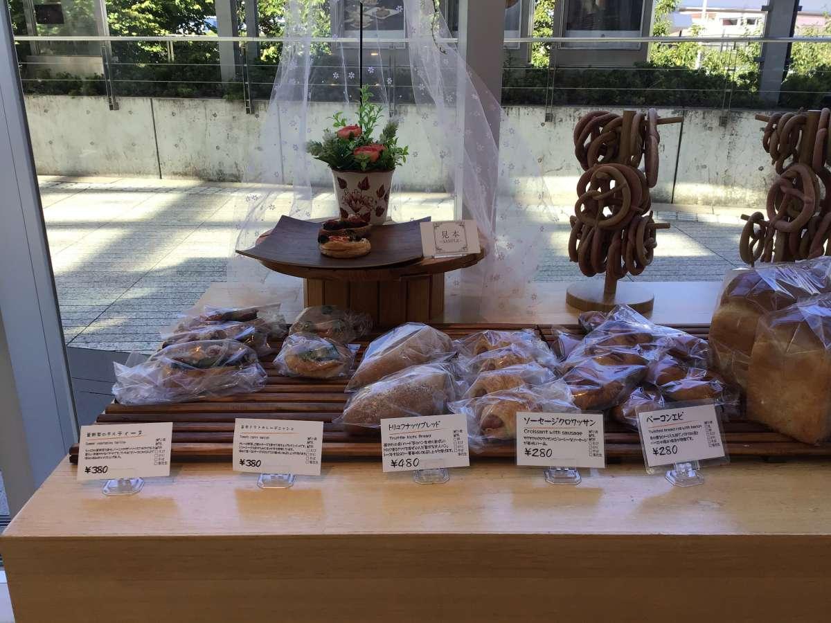ベーカリーのパン売り場
